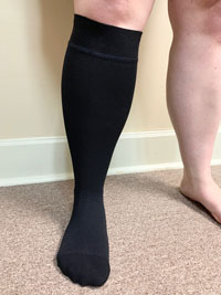 Leg compression garment